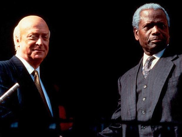 Michael Caine e Sidney Poitier em 'Mandela e De Klerk' (Foto: Divulgação)