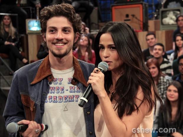 Chay Suede e Nanda Costa se elogiam no programa Altas Horas (Foto: TV Globo/Altas Horas)