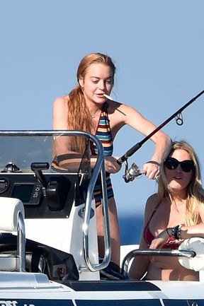 Lindsay Lohan curte férias na Sardenha, na Itália (Foto: AKM-GSI/ Agência)