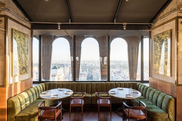 Restaurante SEEN combina estilos opostos em decoração sofisticada (Foto: FRAN PARENTE)