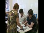 Eleitores participam de simulação com urna biométrica em Londrina
