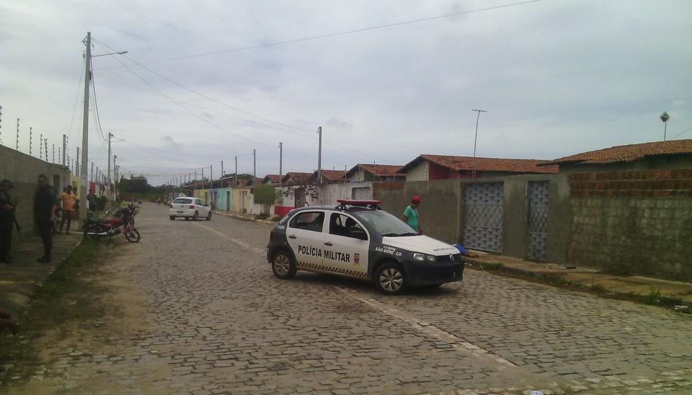 Crime aconteceu em bairro de São Gonçalo do Amarante, na Grande Natal (Foto: Julianne Barreto/ Inter TV Cabugi )