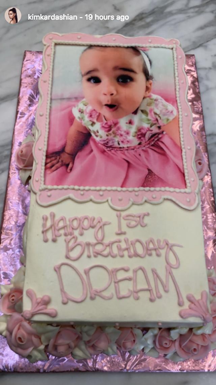 O bolo de aniversário de Dream Kardashian (Foto: reprodução/instagram)