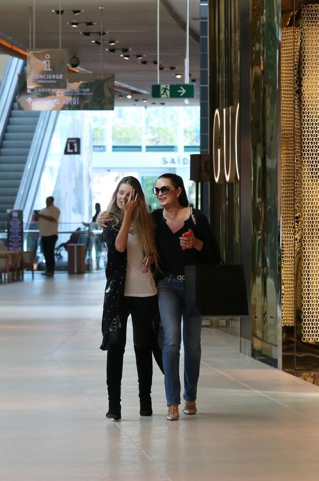 Yasmin e Luiza Brunet (Foto: Fábio Moreno / AgNews)