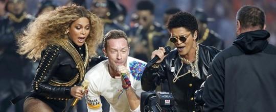 Coldplay, Beyoncé e Bruno Mars no show do intervalo (Reuters)