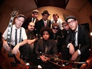 Os integrantes da Orquestra Brasileira de Música Jamaicana (Foto: Divulgação)