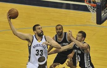 Gasol decide no fim, Grizzlies batem Spurs na prorrogação e empatam série