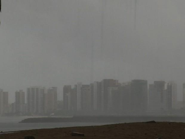 Chuva em Fortaleza (Foto: TV Verdes Mares)