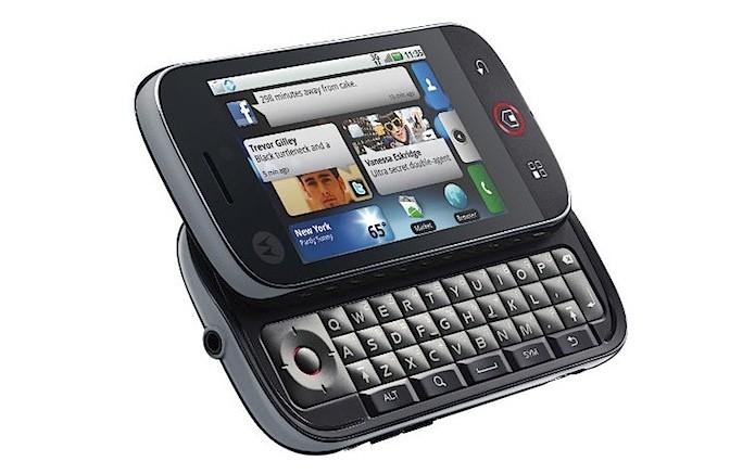 Moto DEXT foi primeiro aparelho da empresa a utilizado o Android (Foto: Reprodução/Elson de Souza)