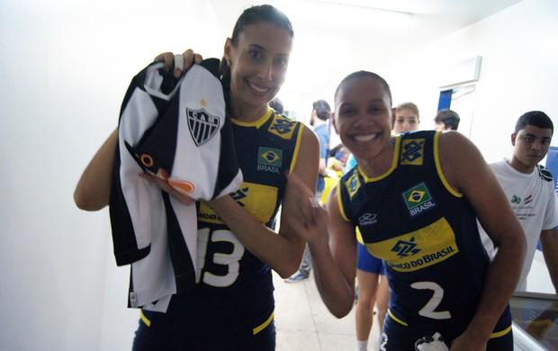 Volei Sheilla e Juciely camisa Atlético-MG (Foto: Túlio Moreira)