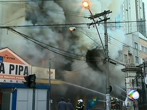 Após dois anos, causas de incêndio em Juiz de Fora ainda são desconhecidas (Foto: Reprodução/TV Integração)