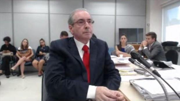 O ex-presidente da Câmara Eduardo Cunha presta depoimento à Justiça Federal (Foto: Reprodução/TV Globo)