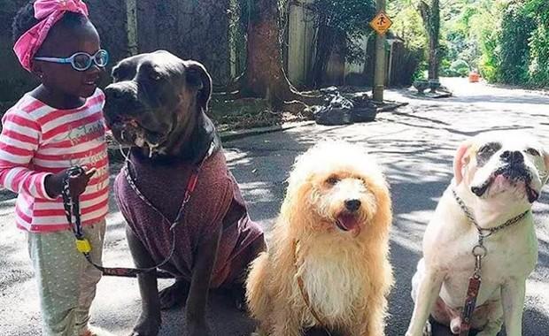 Títi e os pets da família (Foto: Reprodução/Instagram)