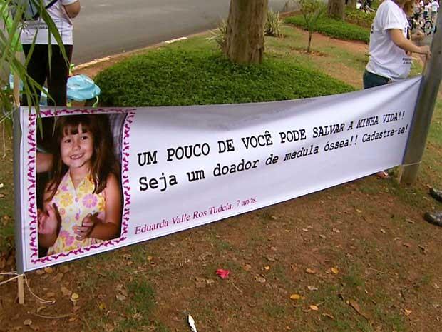 Campanha na Lagoa do Taquaral aborda importância da doação de medula óssea (Foto: Reprodução EPTV)