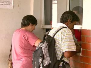 Falta de medicamentos em farmácia de Santa Rita preocupa os pacientes