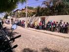Eleitores sofrem com filas e sol forte para fazer biometria no Sul do Piauí