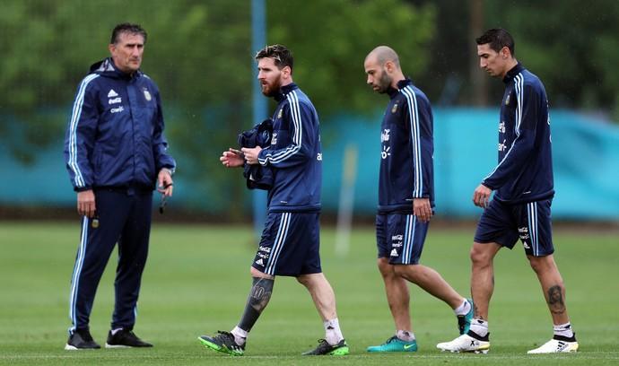 Bauza, Messi, Mascherano e Di María no treino da seleção da Argentina (Foto:  REUTERS/Marcos Brindicci)
