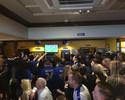 """Torcida do Leicester deixa frustração de lado e vira """"Chelsea por um dia"""""""