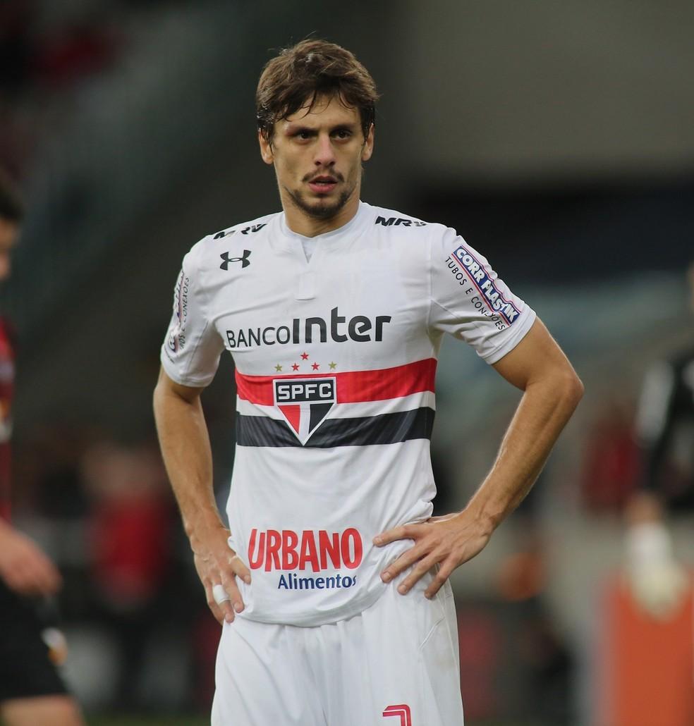Clube europeu faz proposta de R$ 44 milhões por Rodrigo Caio