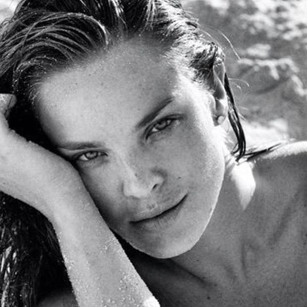 Letícia Birkheuer sem maquiagem (Foto: Reprodução)
