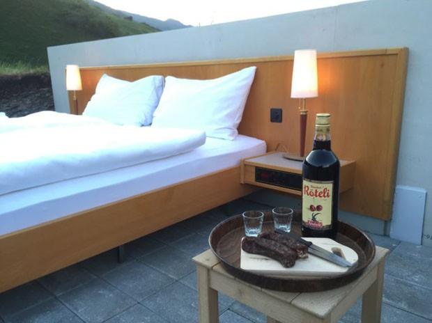 O serviço de quarto está incluso na diária que custa, aproximadamente, R$ 680 (Foto: Divulgação)