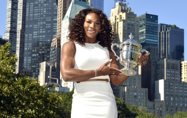 Serena Williams troféu US Open (Foto: AFP)