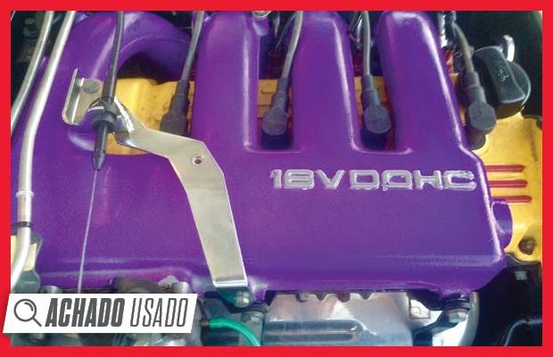 Motor 2.0 16V se destacava também pela bela carenagem, que recebeu uma pintura cheguei (Foto: Reprodução)