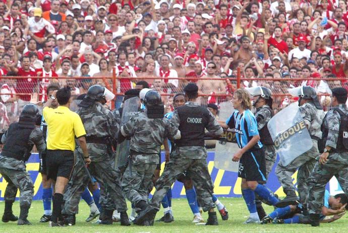 Nautico x Gremio - Batalha dos Aflitos 2005 3 (Foto: Agência O Globo)