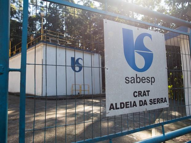 Bairros de alto padrão na Grande São Paulo são abastecidos por sistemas isolados, que garantem o abastecimento de água na região; operação também é feita pela Sabesp (Foto: Victor Moriyama/G1)