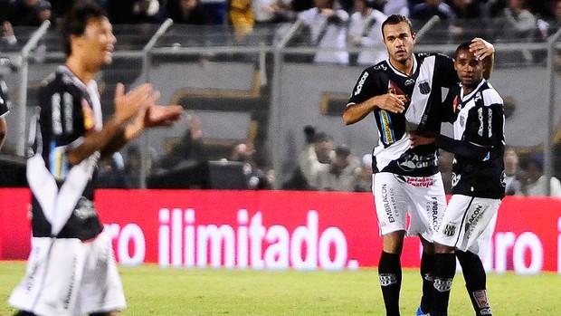 Roger, Ponte Preta x São Paulo (Foto: Marcos Ribolli / Globoesporte.com)