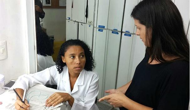 Colaboradores levaram seus cartões de vacina e receberam esclarecimentos (Foto: Divulgação/Marketing OAM)