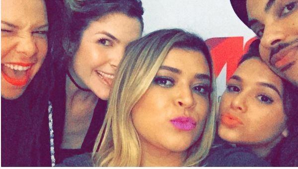 Famosos curtem o show de Thiaguinho (Foto: reprodução/instagram)
