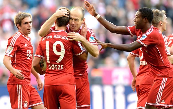 Robben e Gotze comemoração Bayern de Munique contra o Mainz (Foto: Agência AFP)