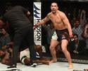 Whittaker suporta pressão de Brunson e nocauteia em duelo frenético no UFC