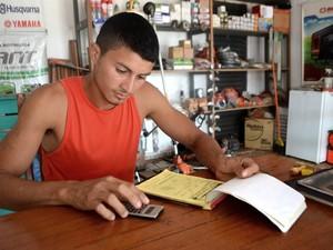 Ex-funcionário da Zamin passou a ganhar R$ 400 mensais (Foto: Abinoan Santiago/G1)