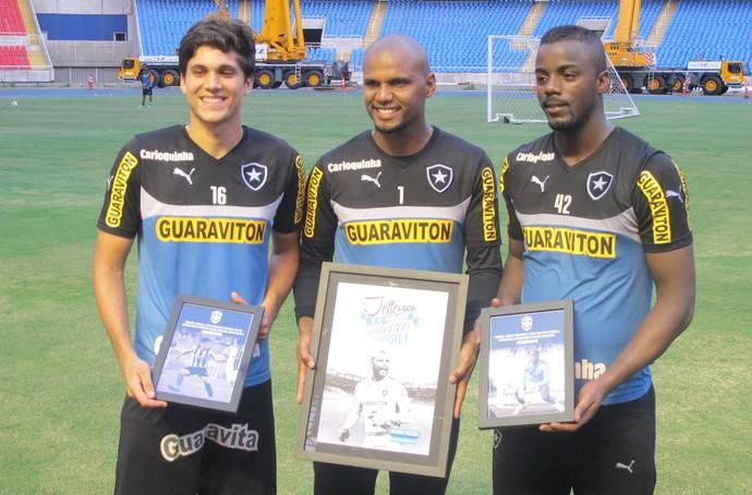 Igor Rabello, Jefferson e Andrey, Botafogo (Foto: Fred Huber)
