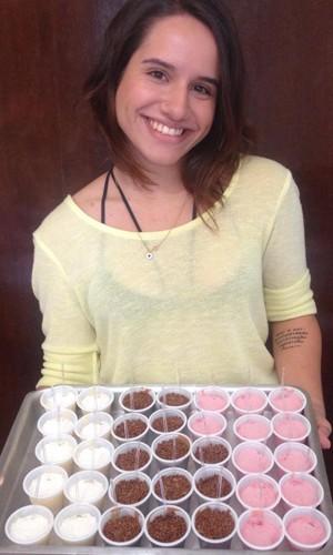 Maris faz os doces para arrecadar dinheiro (Foto: Divulgação Arquivo Pessoal)