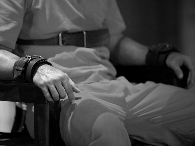 Mãos leves e calmas demonstram tranquilidade (Foto: Carol Caminha/Gshow)