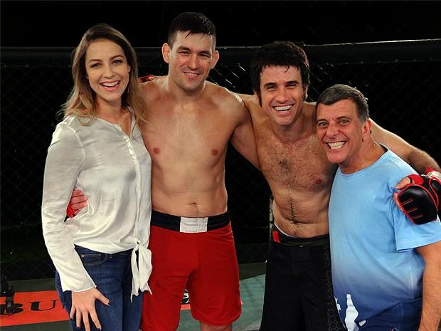 Demian com Luana, Eriberto e Jorge Fernando (Foto: Guerra dos Sexos/TV Globo)
