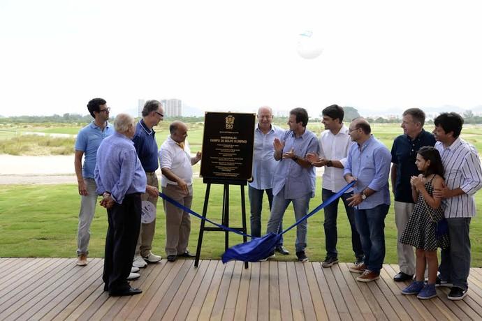 O prefeito Eduardo Paes entrega ao Comitê Rio 2016 o campo de golfe dos Jogos Rio 2016 (Foto: J.P.ENGELBRECHT)