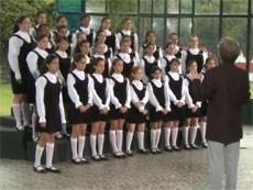 Coral das meninas de Petrópolis (Foto: Reprodução)