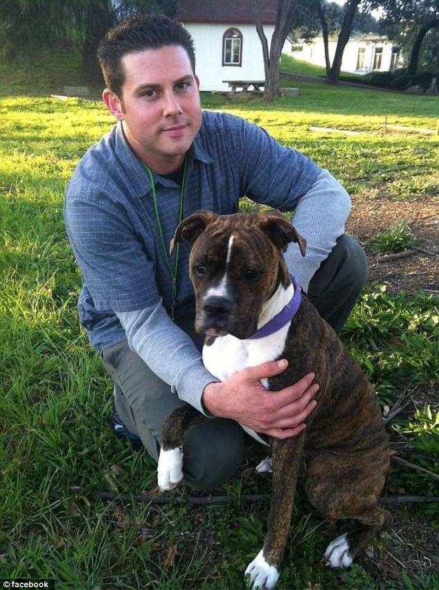 Ryan e Mollie antes do dono ser internado no hospital (Foto: Reprodução Facebook)