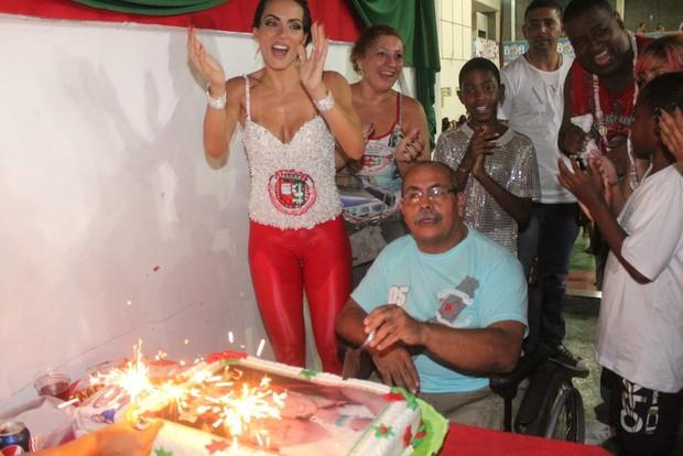 Carla Prata no aniversário do fotógrafo Vicente Rodrigues (Foto: Rodrigo dos Anjos/ Ag. News)