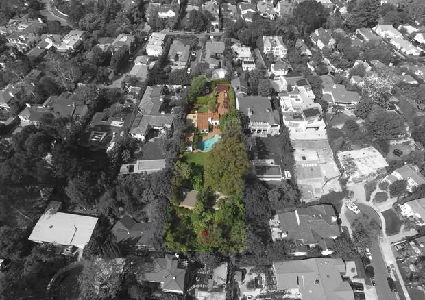Mansão vista de cima (Foto: Reprodução/Lisa Optican/Mercer Vine)