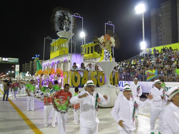 X-9 lembrou os 450 anos do Rio de Janeiro e a influência do Carnaval em Santos (Foto: Orion Pires/G1)