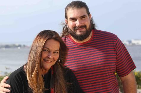 Paula Saldanha e o filho, Lucas (Foto: Arquivo pessoal)