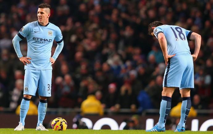 Manchester City x Burnley - jogadores dos blues lamentam (Foto: Getty)