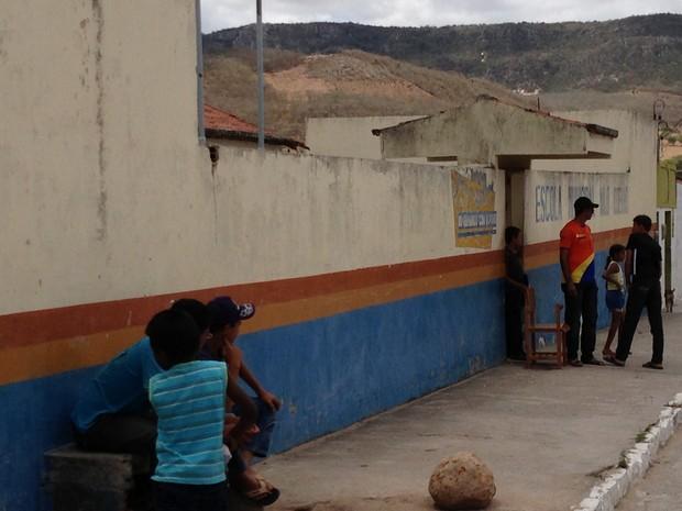 Doença atingiu 14 alunos da escola municipal do povoado Cercadinho. (Foto: Jael Soares/ G1 Caruaru)