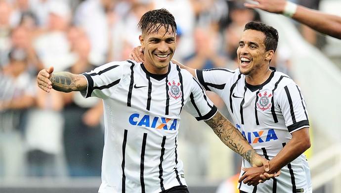 Guerrero gol Corinthians (Foto: Marcos Ribolli)
