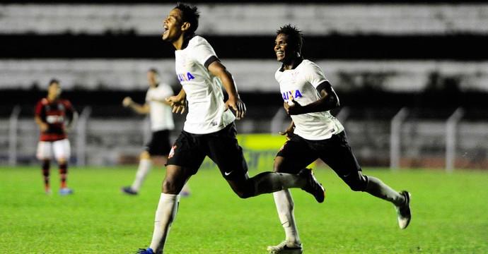 gol Corinthians Copinha (Foto: Marcos Ribolli / Globoesporte.com)